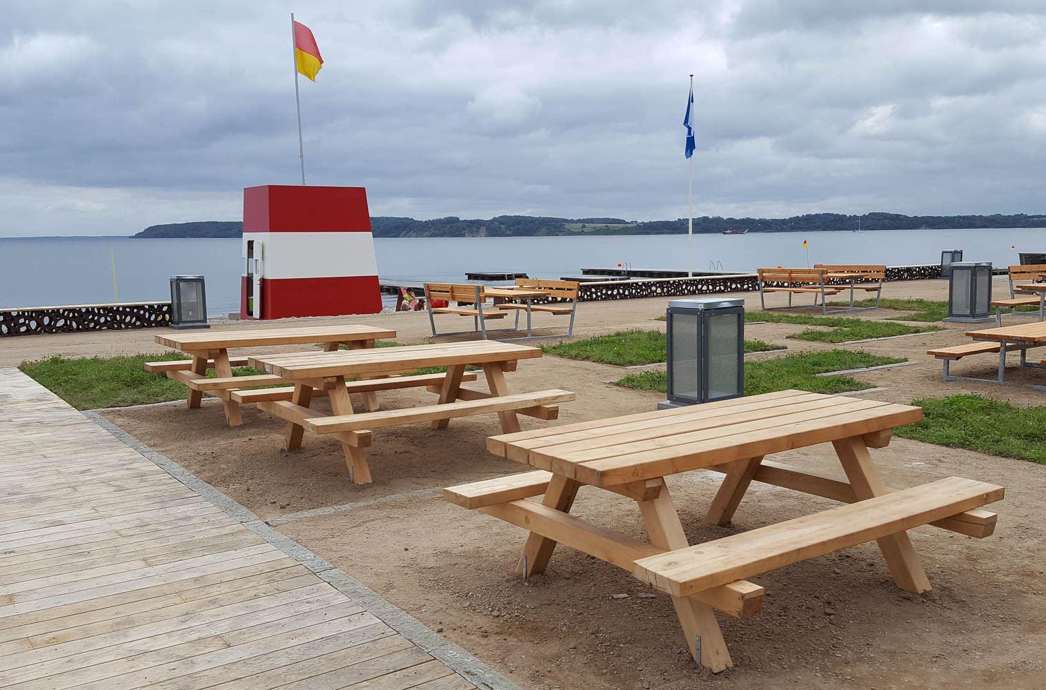 Roar havebord - bord-bænkesæt i holdbar robinietræ