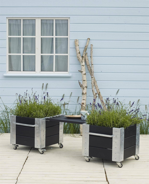 PLUS Siddeplads med Cubic blomsterkasser og bænk