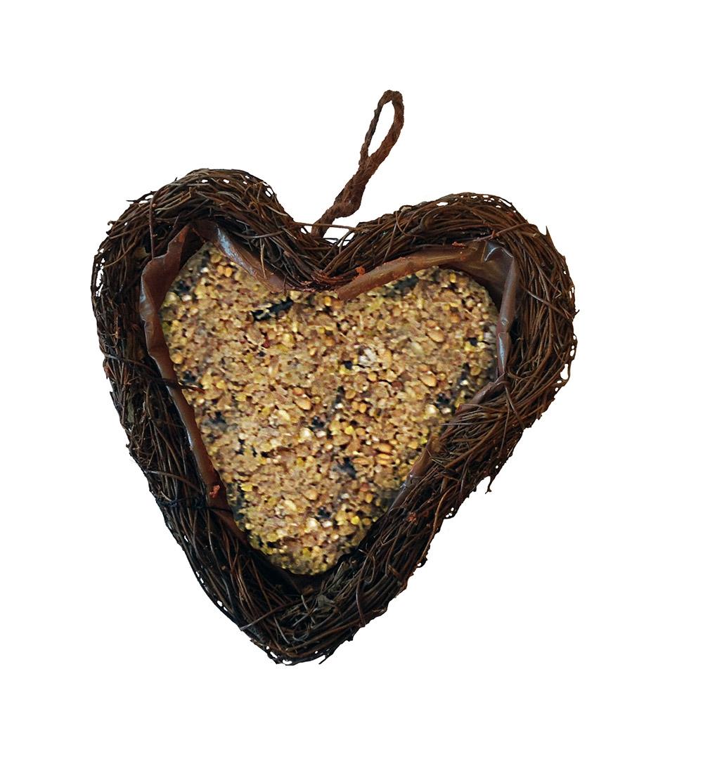 Image of   Hjerte med fuglefoder
